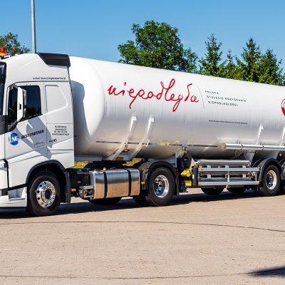 Truck_Intereuropol_pgnig_oklejanie_ciężarówek_druk24h.pl